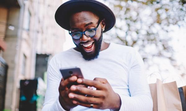 Android und iOS: BSI fordert 5 Jahre Sicherheits-Updates für Smartphones