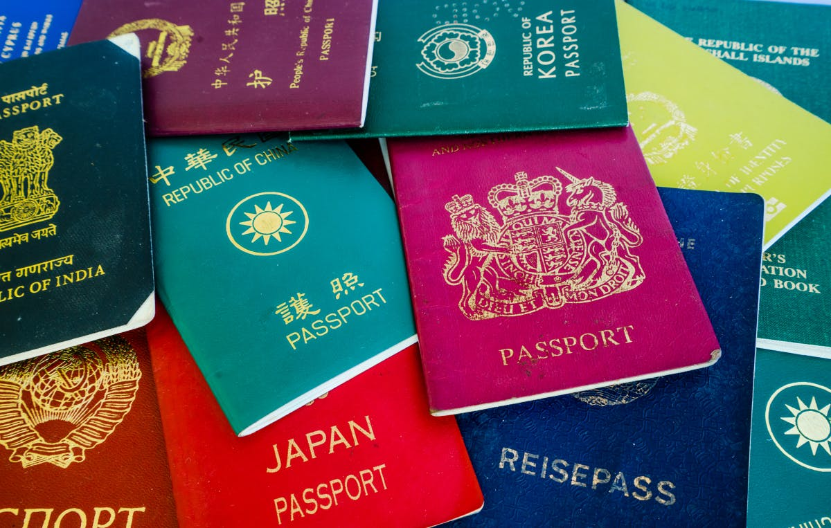 Warum digitale Nomaden mehr als nur einen gültigen Pass brauchen