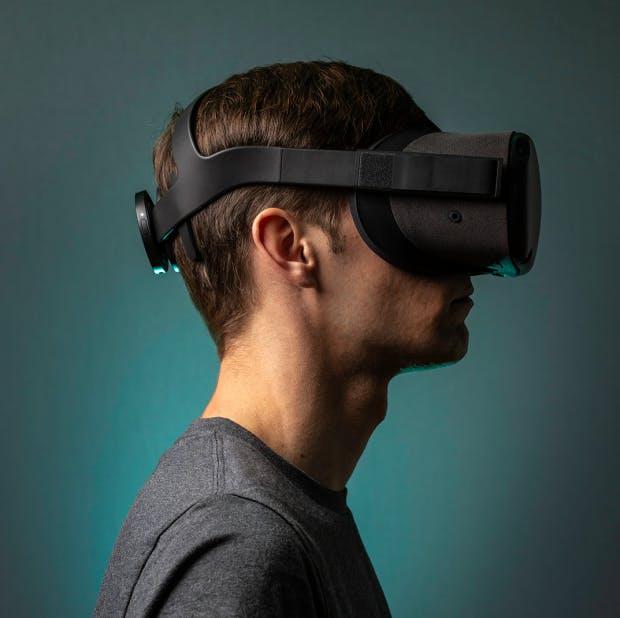 Nextmind-Clip mit VR-Brille im Tandem. (Foto: Nextmind)