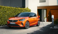 E-Gesamtpaket: Opel bietet Kunden E-Auto und installierte Ladestation aus einer Hand
