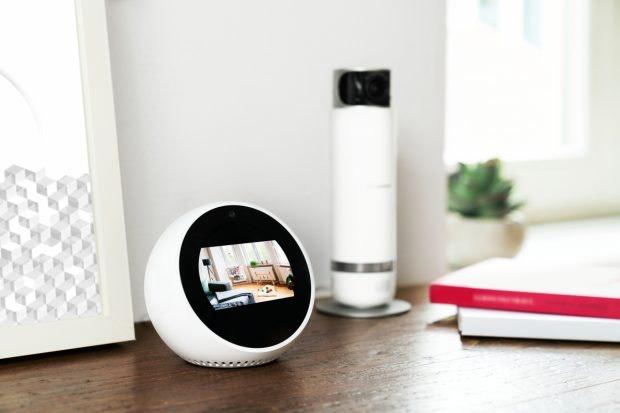 Bosch Smart Home 360 Kamera mit Amazon Echo Spot