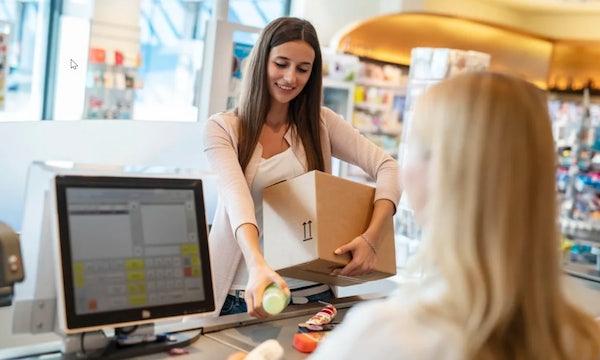 DM bietet kostenlosen Paketannahmeservice für alle Dienstleister