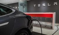 Autopilot- und Supercharger-Test: Erstes Tesla Model Y in Europa gesichtet