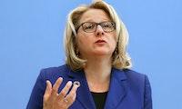 Umweltministerin Svenja Schulze, haben Sie ein Fairphone?