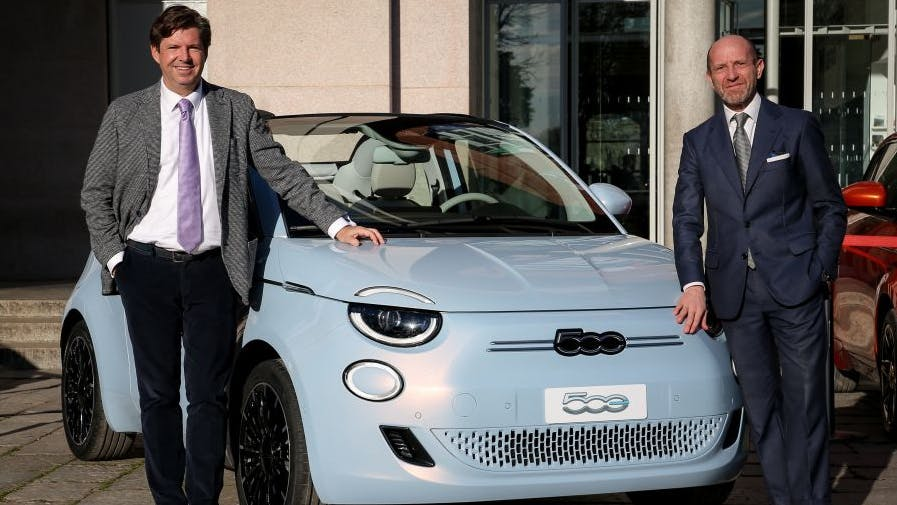 Fiat stellt mit dem neuen 500 einen vollelektrischen Kleinwagen mit Level-2-Fahrassistenzsystem vor