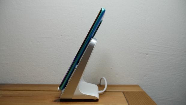 Das Oneplus 8 Pro unterstützt Warp Charge 30 Wireless. (Foto: t3n)