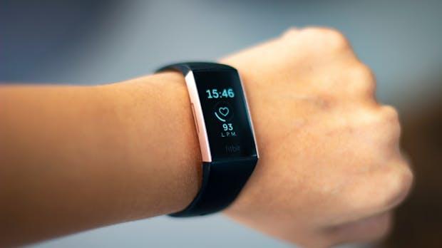 Fitbit-Übernahme: Verbraucher- und Datenschützer kritisieren den Deal