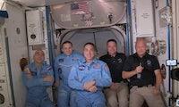 Erste bemannte SpaceX-Mission: Kapsel an ISS angedockt