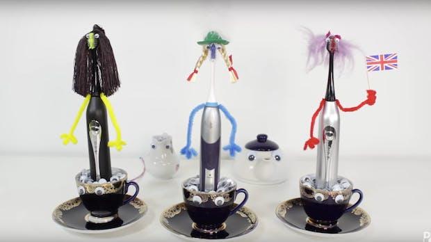 3 elektrische Zahnbürsten singen die Nationalhymne des Vereinigten Königreichs