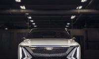 480 km Reichweite und 33-Zoll-Display –das ist GMs E-SUV Cadillac Lyriq