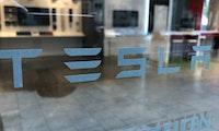 Tesla kündigt Aktiensplit an – Kurs geht nach oben