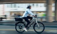 45 Stundenkilometer schnell: Free Now und Bond bringen E-Bikes nach Hamburg