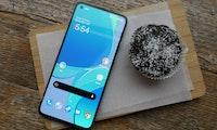Oneplus 8T im Hands-On: Neues Top-Smartphone kommt mit 65-Watt-Druckbetankung