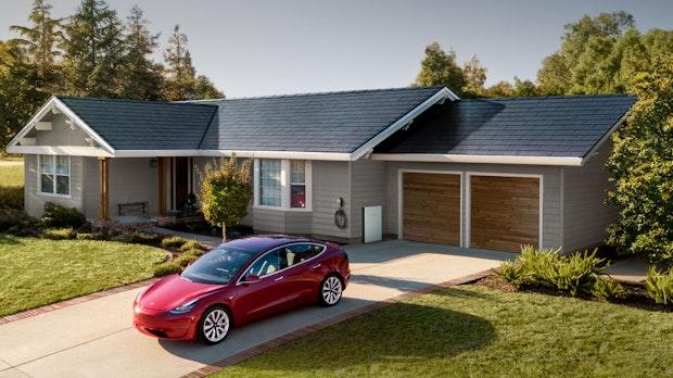 """Elon Musk: Teslas Solar Roof wird 2021 zum """"Killer-Produkt"""""""