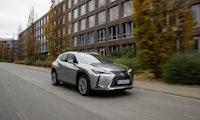 Lexus UX 300e: So sieht das erste reine E-Auto von Toyota aus
