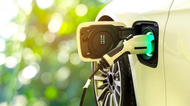 20 Prozent mehr Reichweite: E-Autos könnten bald beim Fahren laden