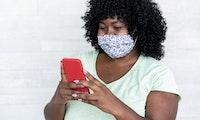 Gesichtserkennungssoftware kommt immer besser mit Masken zurecht