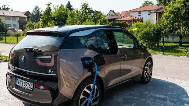 Elektromobilität: Das Elektroauto mit der Photovoltaikanlage laden