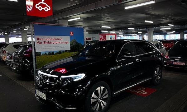 Elektromobilität ohne private Ladestation: 12 Elektroauto-Fahrer*innen berichten