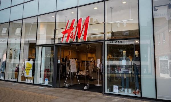 H&M: Bekleidungshändler testet digitale Umkleidekabine