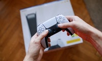 Lieferengpass: Verbraucherschützer mahnen Saturn wegen PS5 ab