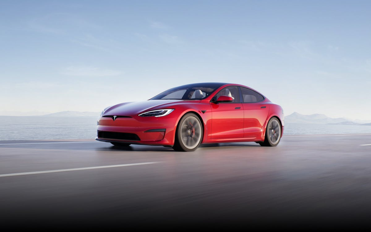 Elon Musk: Tesla Model S offers gaming at PS5 level