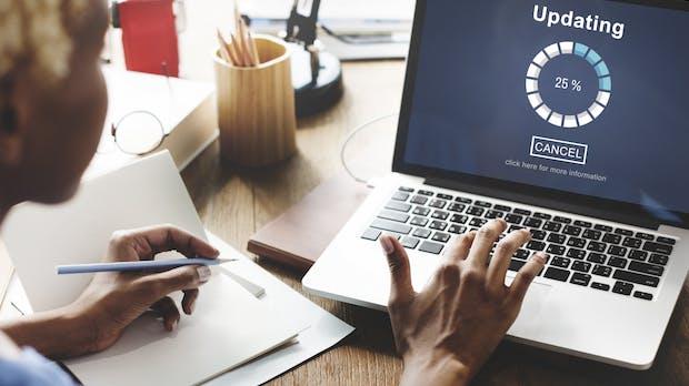 Recht auf Updates und Pflicht zur Transparenz: Neue Regeln für Onlinehandel