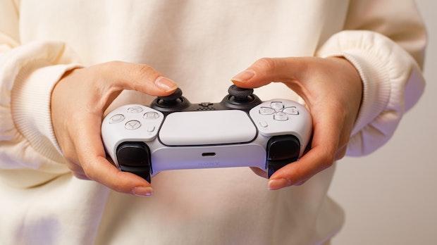 Playstation 5: Analogsticks des Controllers halten wohl nur 400 Stunden durch