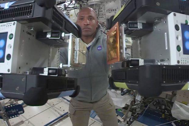 Gecko-Technologie ISS Weltraumschrott Klebematerial
