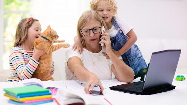 Verzweifelt im Homeschooling-Office: New Yorker Hotline lässt Frauen schreien
