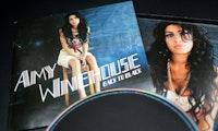 KI schreibt Lieder, die von Amy Winehouse oder Jimi Hendrix kommen könnten