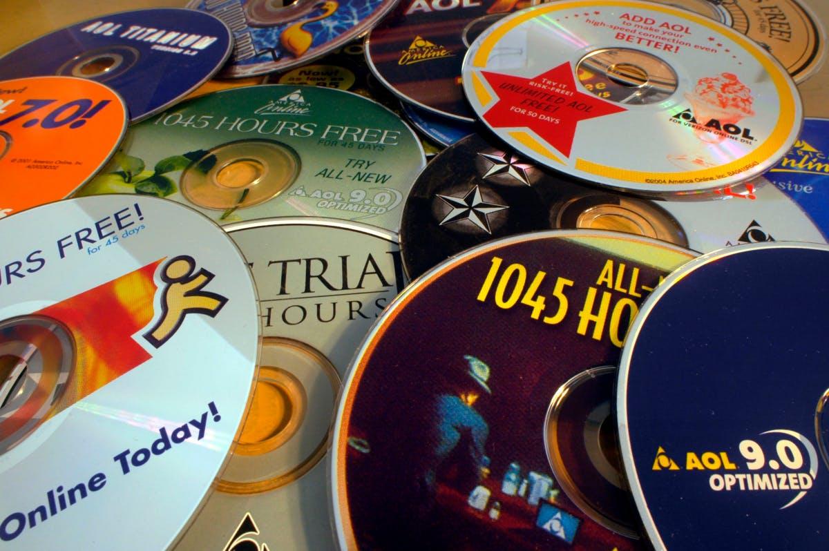 Internet access via modem: A few thousand AOL customers still surf at 56k