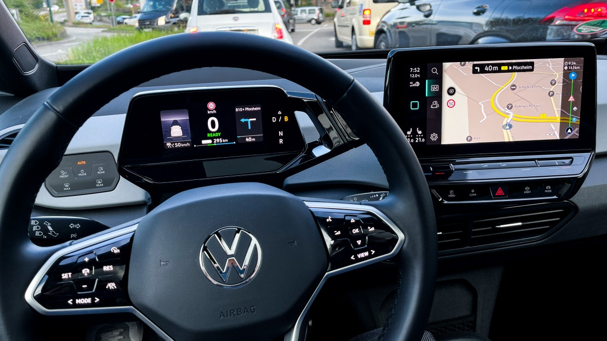 VW ID 3 in the test - displays