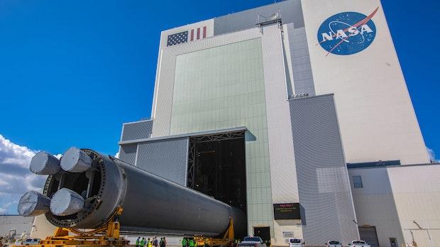 Bezos gegen Musk: US-Behörde friert Nasa-Vertrag mit SpaceX ein