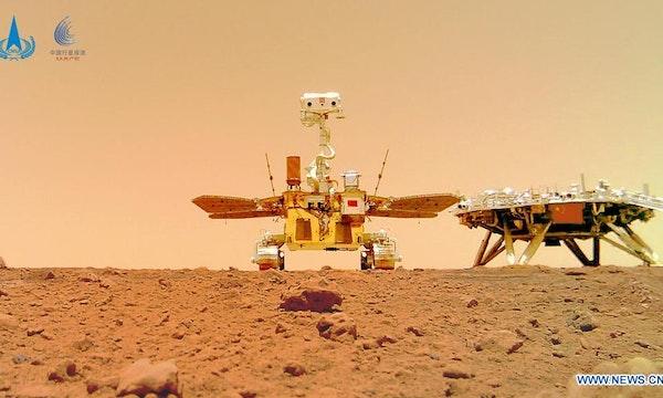 China-Rover Zhurong schickt einzigartiges Selfie vom Mars